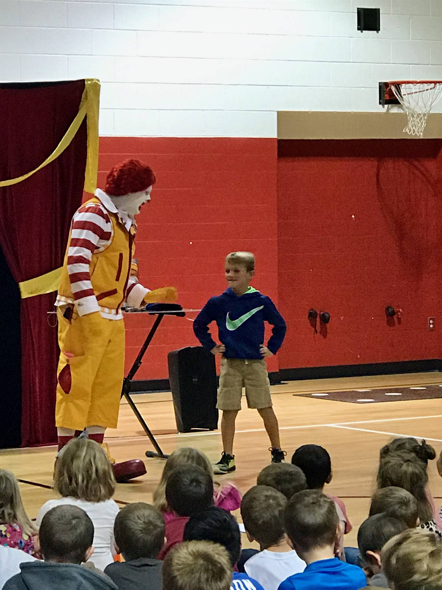 Peyton Hall helps out Ronald